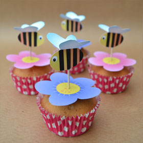 picture of the Flowers and bees cupcake topper